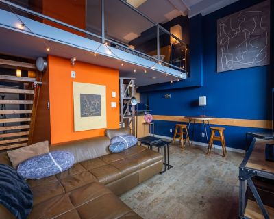 Luxury Loft - by Funky Stays Vacation - Downtown Victoria