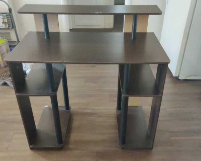 Study desk (can be disassembled). Dimensions in the description.