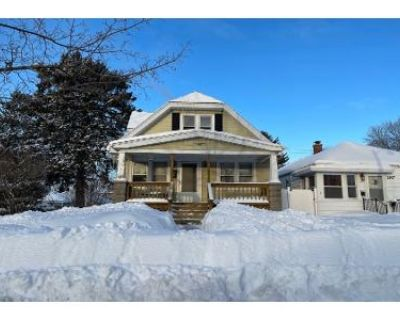 4 Bed 1 Bath Preforeclosure Property in Milwaukee, WI 53215 - S 33rd St