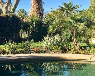 Garden Retreat with Bougainvillea-covered Patio, Pool, Hot Tub & Mountain Views - Indio