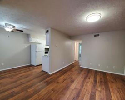 2129 Vernon Ct, Louisville, KY 40206 2 Bedroom Apartment