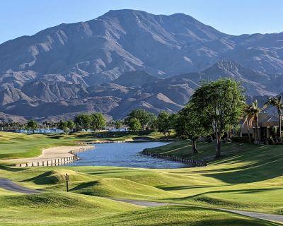 Your PGA West Condo on the 5th Fairway with Pool & Hot Tub - La Quinta