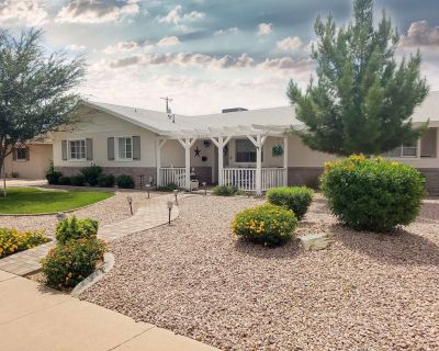 AMAZING!**The Old Town Beach Cottage**Spring Training Best! - Scottsdale Country Acres