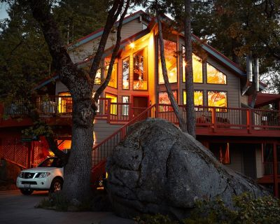 Inside Yosemite N.P. Gates!, our luxury home is minutes from valley attractions. - Yosemite West