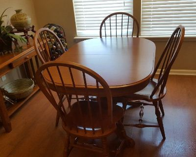 TELL CITY Dining room set Table 6 Chairs and Hutch