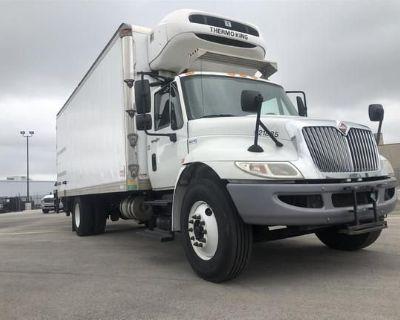 2015 INTERNATIONAL 4300 Box Trucks, Cargo Vans