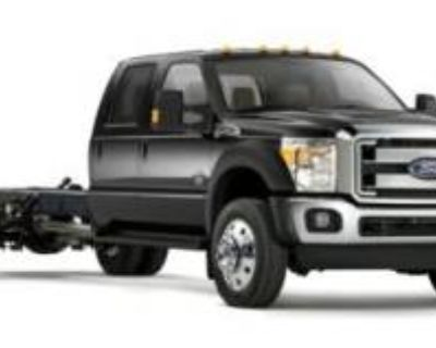 """2016 Ford Super Duty F-450 Chassis Cab XLT Crew Cab 200"""" 84"""" CA 4WD"""