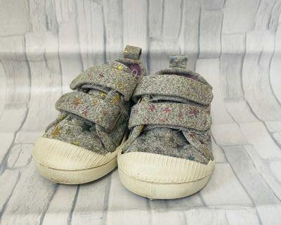 Toddler Girls Size 4 Cat & Jack Grey Star Shoes