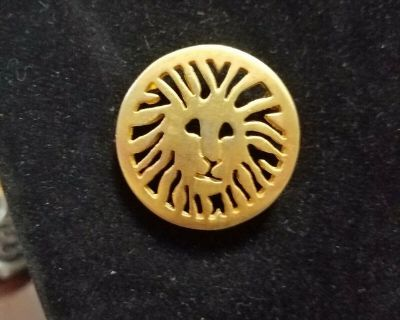 Vintage Anne Klein Gold-Tone Lion Head Round Brooch / Pin! Signed AK on Back