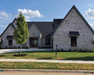 7236 Smith Farm Dr, North Richland Hills, TX 76182
