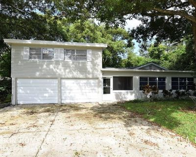 UPDATED studio apartment near Downtown Orlando, with UTILITIES INCLUDED!!!