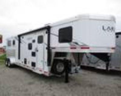 2021 Lakota Trailers 2H LQ C29ST 2 horses