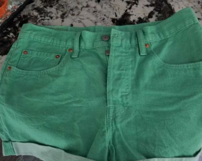 Levi's shorts button fly size 29