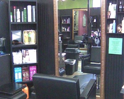 Hair stylist / barber