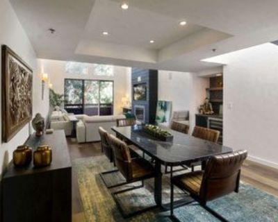 410 S Barrington Ave #305, Los Angeles, CA 90049 3 Bedroom Condo