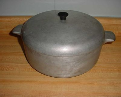 Vintage Heritage Club Hammered Heavy Aluminum 4 Quart Dutch Oven Stock Pot Cookware With Lid. $10