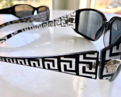 2 pair of Women's Sunglasses