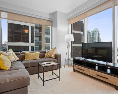 Simply Comfort. 2BR 2BA Stampede and Calgary Tower View. Free park - Victoria Park