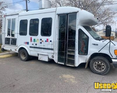 2005 Ford E450 Mobile Kitchen Food Truck / Commercial Kitchen on Wheels