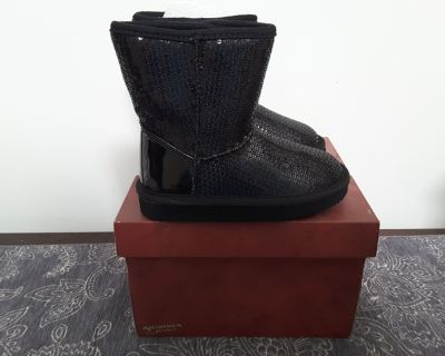New size 8 sparkle boots for girls