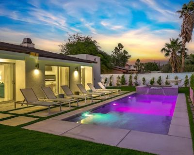 Caliente Oasis Vista Norte A Gorgeously Outfitted Mid-Century Inspired Home in Palm Springs - Vista Norte