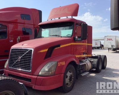 2007 Volvo VNL 6x4 T/A Day Cab Truck Tractor