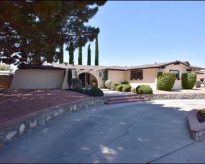 10604 Sombra Verde Dr, El Paso, TX 79935 3 Bedroom Apartment