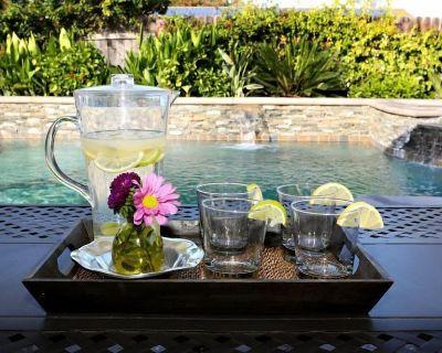 Sweet 4 bedroom, 3 bath plus Loft Bedroom, Pool Home - Southwest Anaheim