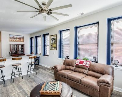 The Winner's Circle Suite With Parking - Downtown Louisville