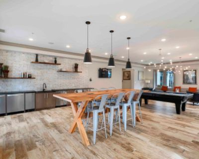 Beautifully Designed Entertaining Space, Perfect For Your Next Meeting!, Fairfax, VA