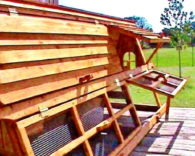 BIG CHICKEN COOPS and PORTABLE YARD FENCE POST WINTER SALE
