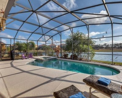 5 bedrooms with Pool & Spa - Clubhouse with Gym - Pond view - Veranda Palms