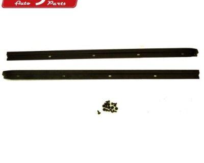 Rugged Ridge 13308.01 Windshield Channel Fits 76-95 Cj7 Wrangler (yj)