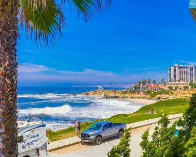 Perfect Sunsets... 2 Bedroom - 2 Bath condo with unobstructed views of the ocean - Village of La Jolla