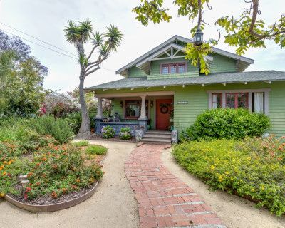 Beautiful Craftsman Home In Historic Ocean Park District of Santa Monica with music room and plenty of out door space., SANTA MONICA, CA