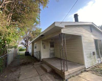 2422 W Grant Ave