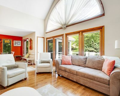 Town of Bethany Beach Home with High-Speed WiFi and Central AC - Dogs OK! - Bethany Beach
