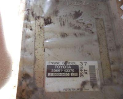 1999 Toyota Sienna Engine Control Module. 89661-42370. Yota Yard.