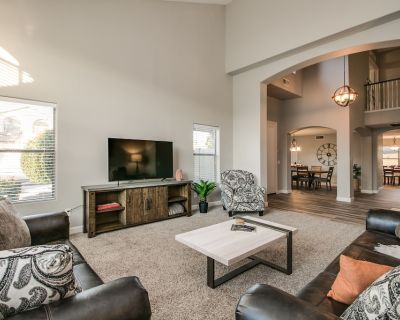 Sunshine and Good Times! Massive 5/bdrm with Pool, Hot Tub, and Game Room! - Gilbert Ranch