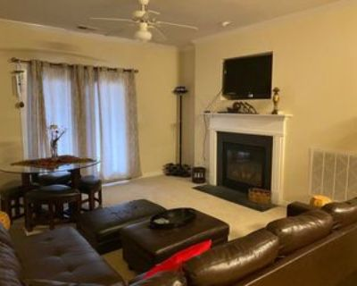 319 College Rd #201, Greensboro, NC 27410 3 Bedroom Condo