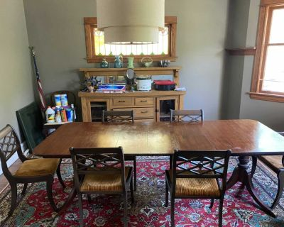 Dining set w/3 leaves and 6 chairs
