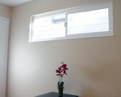 Apartment for Rent in Oakland, California, Ref# 2299692