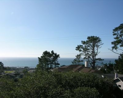 Artist's Oceanview Cottage in Beautiful Cambria, California - Lodge Hill