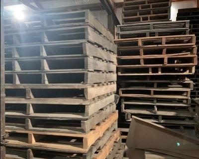 Heavy duty wood pallets