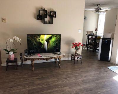 1100 sq ft   furnished Apt   4-6 months