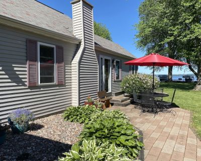 Meticulous Lake Winnebago family home available for EAA AirVenture 2021! - Fond du Lac