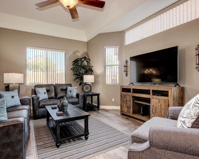 Luxury Condo, Single Level, 2 Master Bedrooms, Gated Community, - Red Mountain Ranch