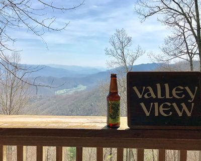 Amazing View with access to all the adventures of Western North Carolina - Whittier