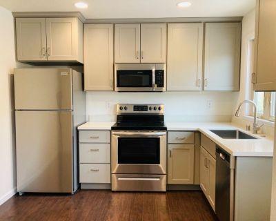 House 1009 square feet 1bd 1 ba exclusive neighborhood