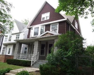 4 Bed 2.5 Bath Foreclosure Property in Milwaukee, WI 53208 - N 31st St